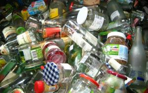 Producenci będą odpowiedzialni za odpady. Samorządy czekają na ustawę o ROP