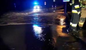 Uwaga! Przez powódź błyskawiczną zamknęli drogę Naściszowa – Librantowa