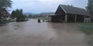 Polak mądry po szkodzie. Przez Roztokę – Brzeziny znowu przeszła powódź