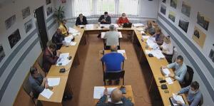 Sesja w Rytrze: roszady w komisjach i podwyżki podatków od nieruchomości